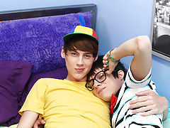 How can a scene between Kyler Moss and Elijah White acquire any cuter gay cum twink bears older at Boy Crush!