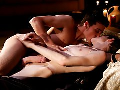 Legal cute twinks and young twinks foot licking - Gay Twinks Vampires Saga!