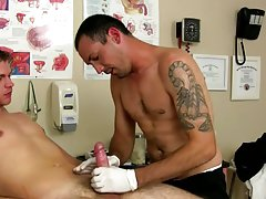 Young hung sleeping straight and gay male medical doctor fetish