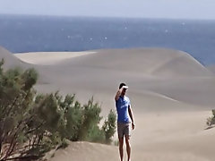After not having much luck in the sand dunes of Gran Canaria, this unshaven hunk heads back to the hotel and finds exactly what he's looking for