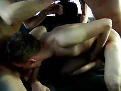 Black uncut dick porn pic and free naked spanish man uncut action - at Boys On The Prowl!
