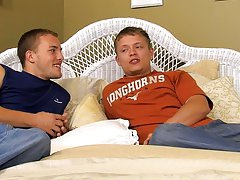 Skinny white gay dick pics and pictures of guys kissing guys while peeing - at Real Gay Couples!