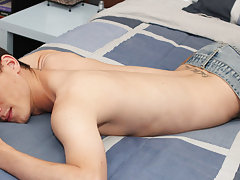 Twinks masturbating eac at Boy Crush!
