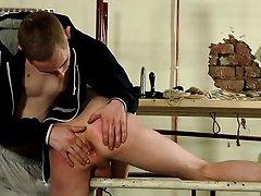 Light skinned tattoo men fucking and men who like to deep throat blow job - Boy Napped!
