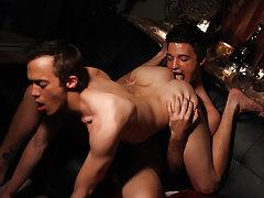 Old men twinks gay porn and twink stripper fuck - Gay Twinks Vampires Saga!