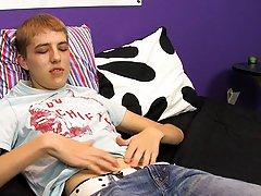 Nude twinks boy emo clip at Boy Crush!