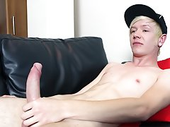 Note as he lubes up his monster cock, moaning and goraning as he slides it in and out big gay jocks at Homo EMO!