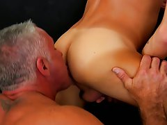 Gay twinks emo boy feast mobile and stories of neighborhood boys getting fucked at Bang Me Sugar Daddy