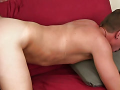 Teen twink rubs his buds cock gay porn and ebony gay twink images masturbating at Straight Rent Boys