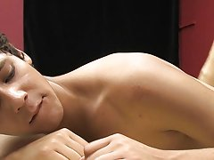 These two boys start out with a sensual foot massage before penetrating each other with dildos, first to just each other, then at the same time gay tw