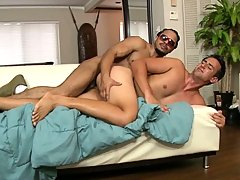 Steven likes engulfing big dark guy dick.