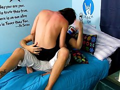 Hot gay ass twinks anal and gay first time story at Boy Crush!