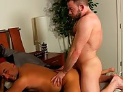 Hot cum eating gay photos and true stories about muscle guy fuck sugar daddy at My Gay Boss