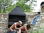 There is so many cum spurts in the end nude guy outdoor